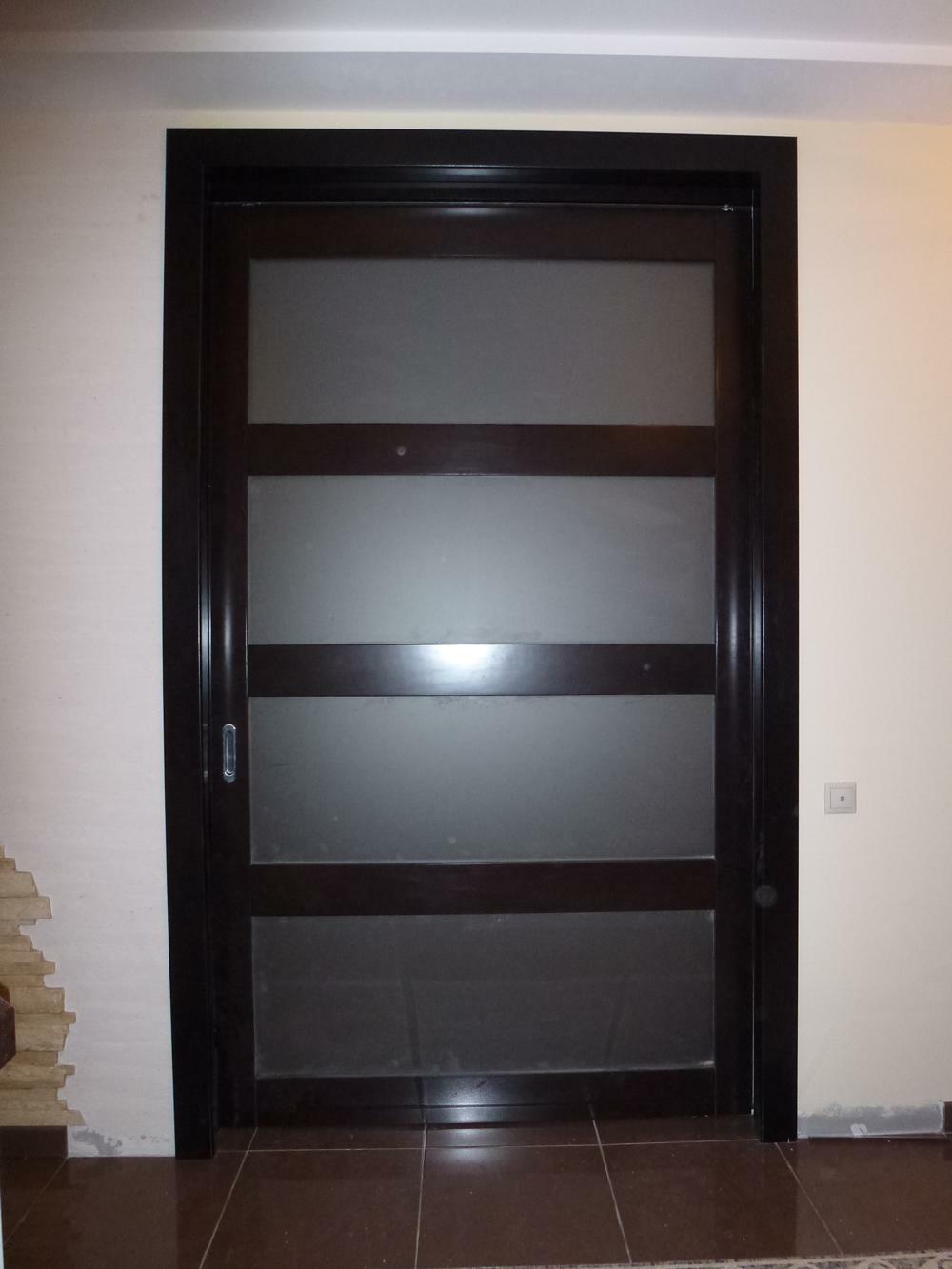 Откатные двери из массива бука
