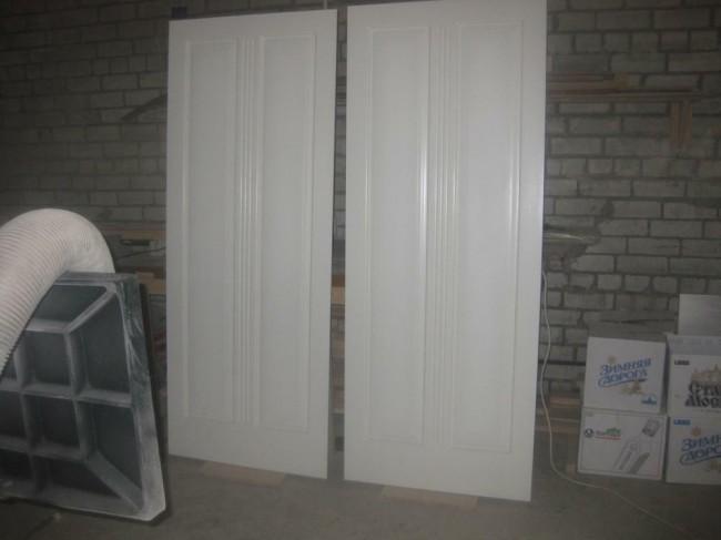 Двери с покраской в белый цвет