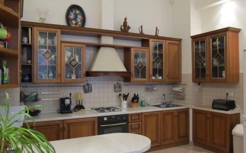 Кухня из массива вишни