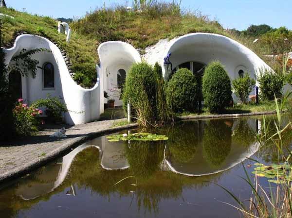 Подземный Эко-Посёлок в Швейцарии!