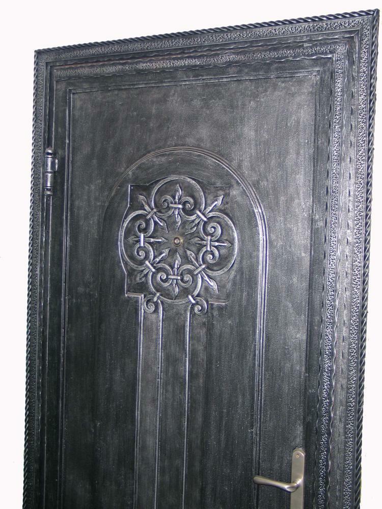 Кованная дверь