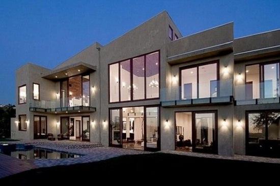 Дом Рианны в Беверли Хилз