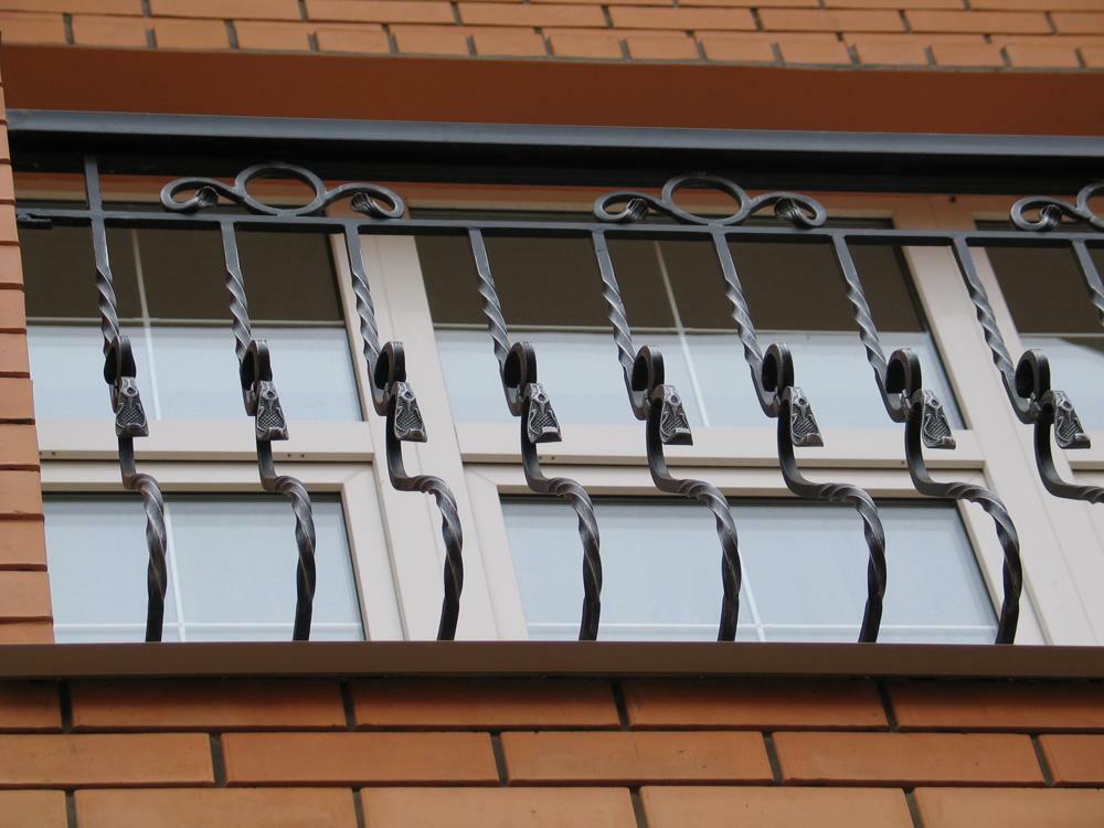 Кованные оконные решетки (12)